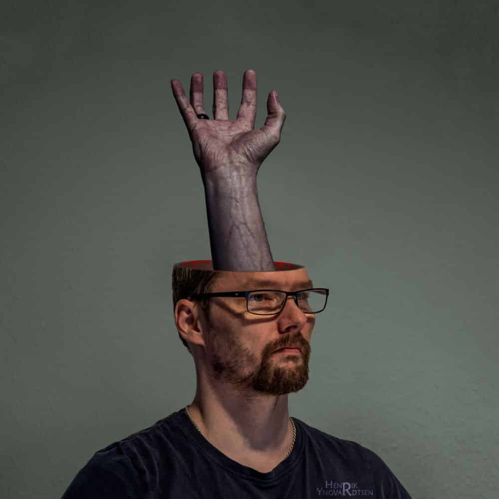 Hand_in_Head
