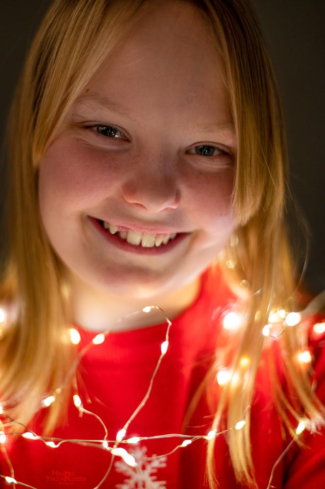 Datteren Model Vianna med julelys